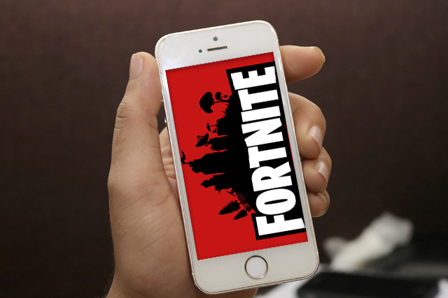 phone to play Fortnite blog header